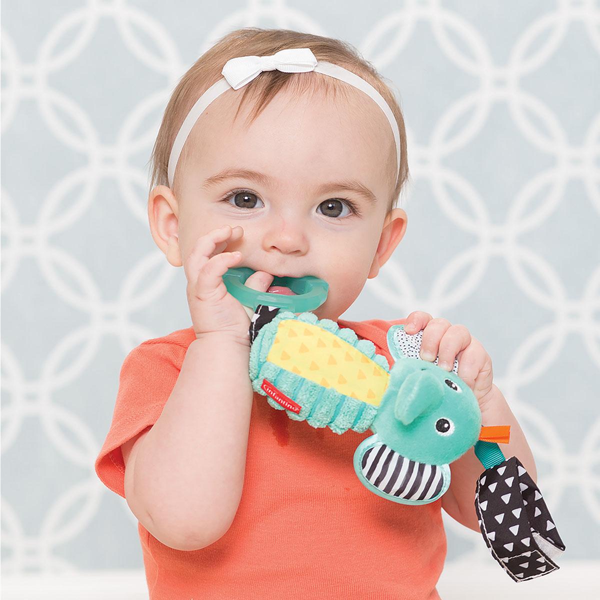 Infantino zvečka sa glodalicom Slon
